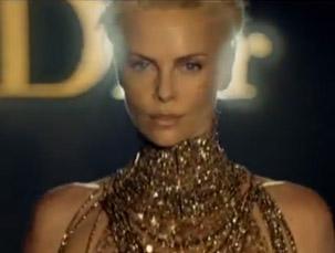 Dior J'adore : Charlize Theron, publicité septembre 2011